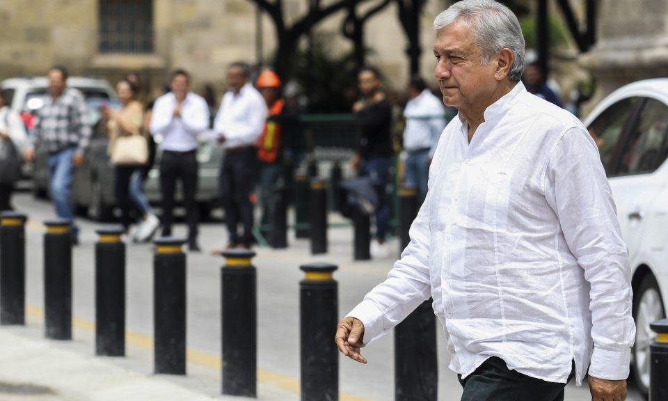 墨西哥當選總統奧夫拉多爾(Andres Manuel Lopez Obrador)是一名反建制左翼分子,其政策引起了經濟學家的關注。他將於本周六就任。相片:Ulises Ruiz / AFP