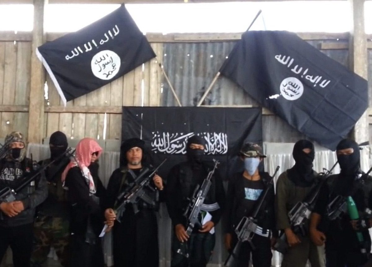 Islamic State fighters in a radicalization video clip targeting the Philippines. Photo: Youtube