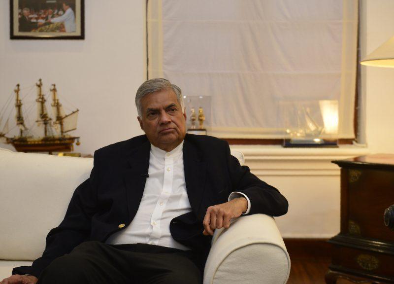 總理維克勒馬辛哈被免去斯里蘭卡總理一職數日後於11月2日現身。相片:AFP / Lakruwan Wanniarachchi
