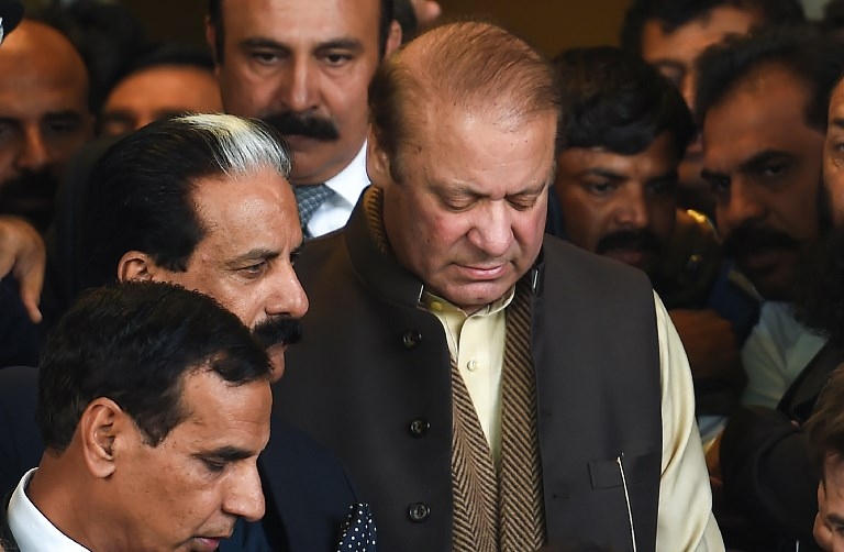 Former Pakistan Prime Minister Nawaz Sharif leaves the Supreme Court after the land case hearing in Islamabad on December 4, 2018. Photo: AFP/Farooq Naeem
