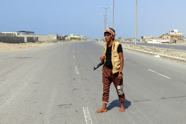 A member of the Yemeni pro-government forces in the port city of Hodeida on December 30. Photo: AFP