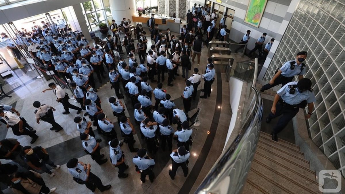 China and the West joust over HK Apple Daily raid