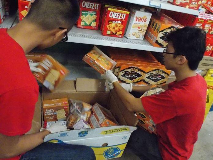 Restocking shelves in the grocery program