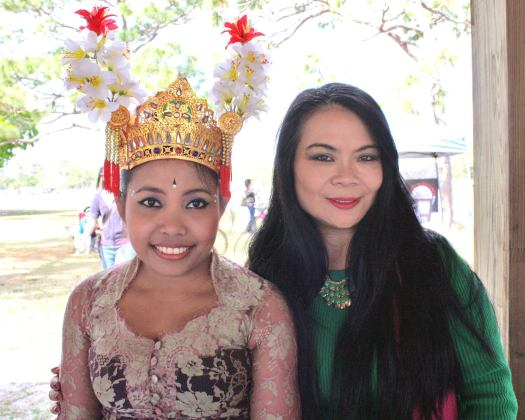 Balinese dance Wyn Praniti Mello