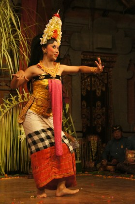 Balinese dancer performing the Legong Dance in Ubud