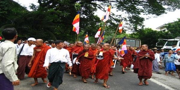 MYANMAR-WHEN MONKS DEFIED THE GENERALS