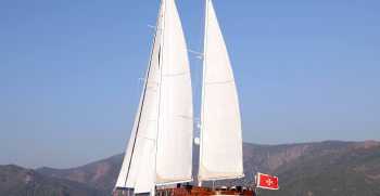 luxury-charter-gulet-queen-of-datca-sailing-away
