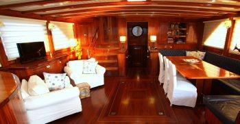 luxury-charter-gulet-queen-of-datca-saloon-looking-aft