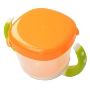 Snack Cup ditutup ketika traveling atau ketika tidak digunakan