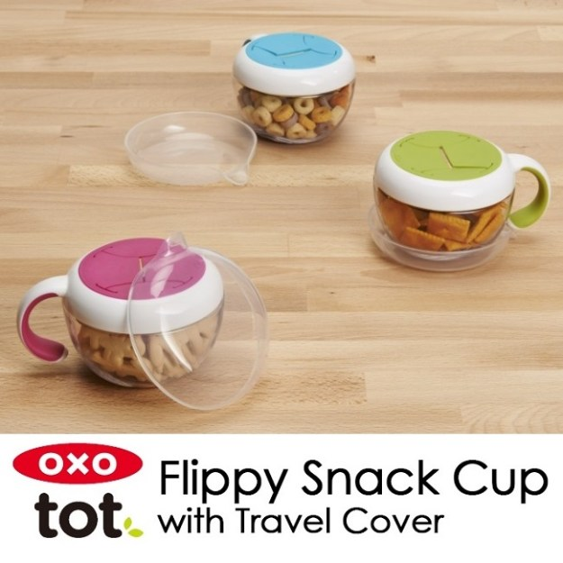 Oxo Tot Flippy Snack Cup dengan Travel Cover