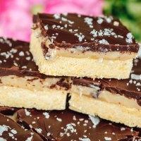 Millionaire Bars Recipe - Chocolate & Caramel Shortbread Dessert