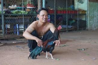 vor dem Hahnenkampf, Lộc Ninh