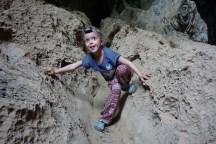 Ausstieg auf der anderen Seite des Berges nach der Durchquerung der Xieng Liab-Höhle
