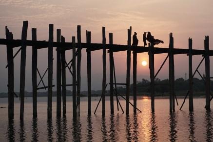 U-Bein-Brücke (benannt nach dem Auftraggeber, nicht nach konstruktiven Eigenschaften) - Amarapura