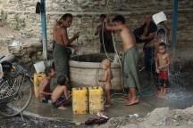 zentrale Wasserstelle und Dusche