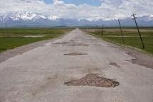 links am 7134m hohen Pik Lenin vorbei von Kirgistan nach Tadschikistan