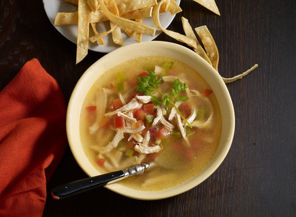 sopa-de-lima-asi-es-merida