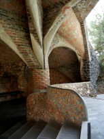 crypta guell 5