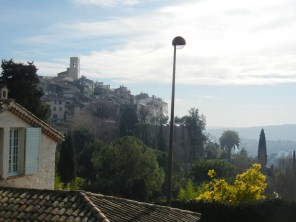 I wanted to go chop down this stupid lamp but this is the view of St Paul de Vence as you first see it coming down the walking trail.