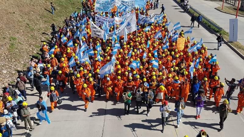 Fuerte respaldo de ASIJEMIN a los trabajadores de Minera Aguilar