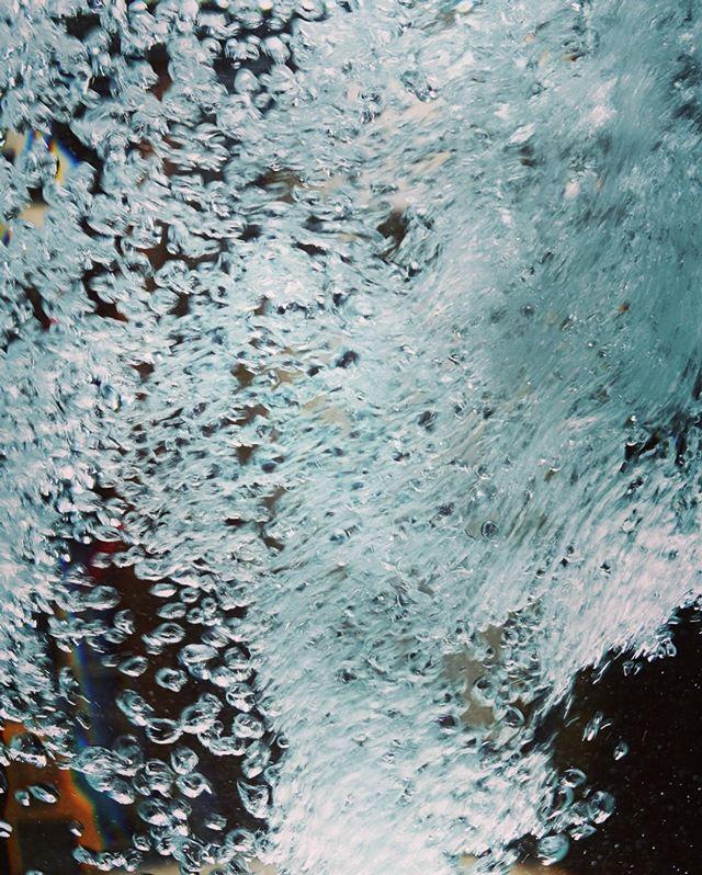 .。o○○o。..。o○○o。..。o○○o。..。o○○o。..。o○○o。..。o○○o。..。o○○o。..。o○○o。..。o○○o。..。o○○o。. #bubbles #bubble #water #waterfoam #mist #art #photography