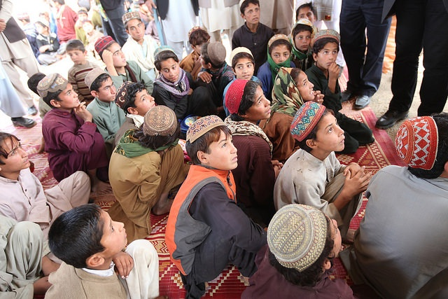 UN humanitarian officials travel to Khost to meet displaced families ahead of winter: 30 October 2014. Photo: UNAMA