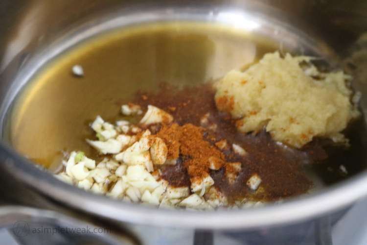 Ingredients-for-Tso-sauce-on-stove