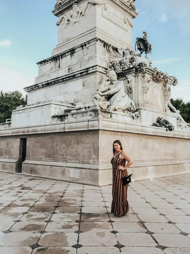 A solo female traveling in Bordeaux France