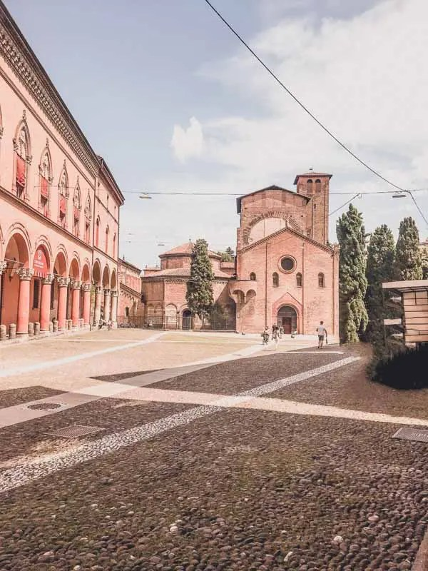 Best 15 Pictures of Bologna Streets of Bologna