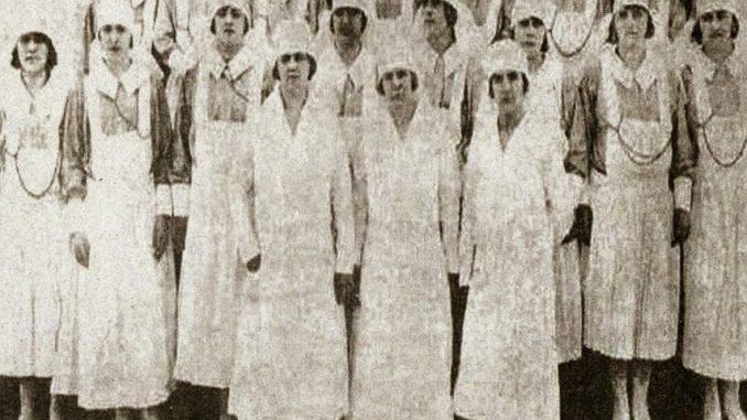 92e7372597b18 El uniforme en Enfermeria y su influencia en la imagen social y en ...