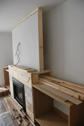 fireplace-built-in-shelving-2-via-the-sweetest-digs