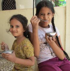 Disha and Khiyali have Banana Delight
