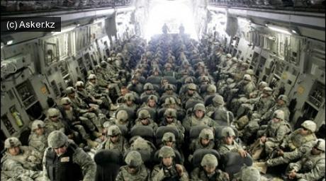 Солдаты NATO направляются в Афганистан.
