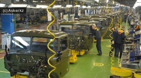 Сборочный конвейер автомобилей Урал армейского назначения