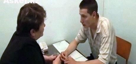 Владислав Челах встречается с матерью