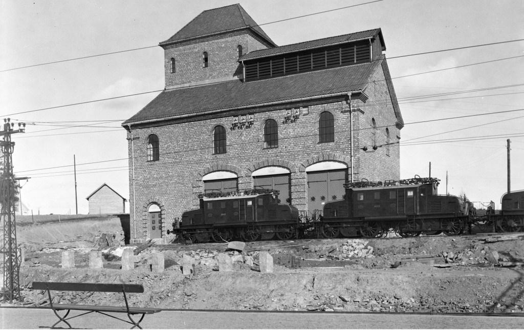 Jernbanens transformatorstasjon Asker,1922. Foto:Anders B.Wilse/Norsk Folkemuseum.