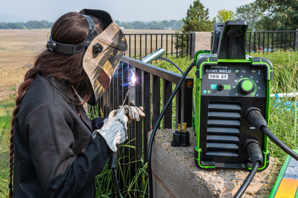 A BEGINNER'S GUIDE TO THE FORNEY EASY WELD 100 ST