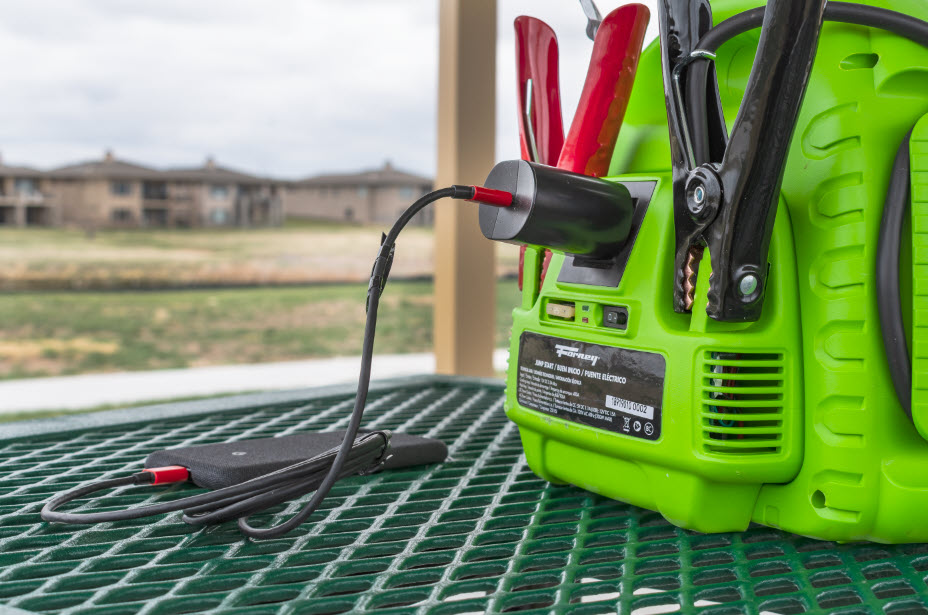 BE PREPARED, STAY POWERED: JUMP START WITH AIR COMPRESSOR