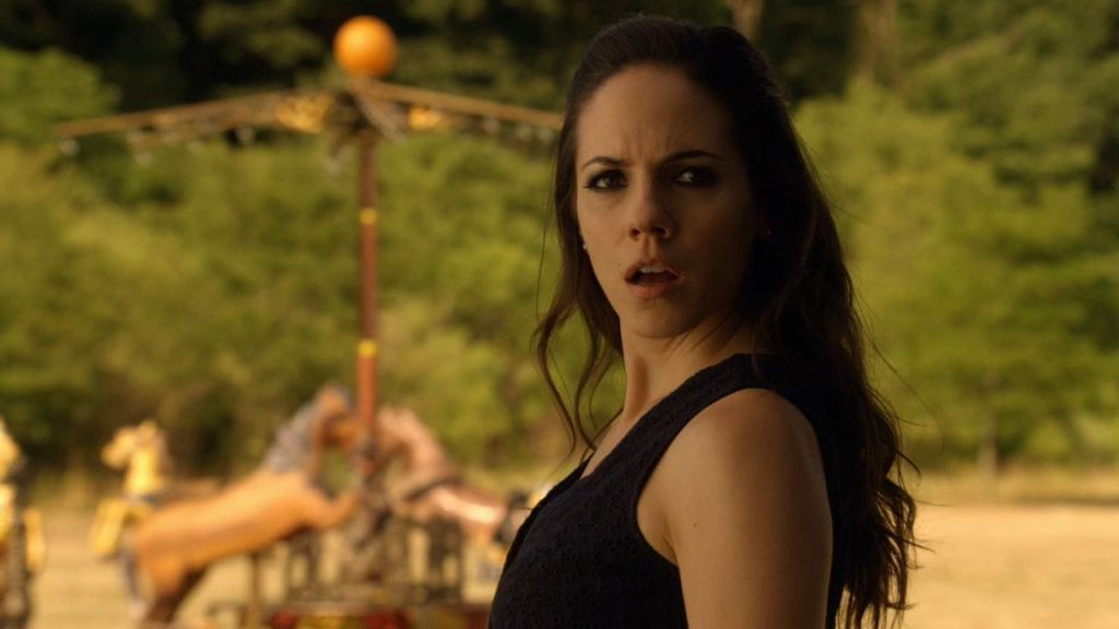 Bo with carousel in Lost Girl 3x11