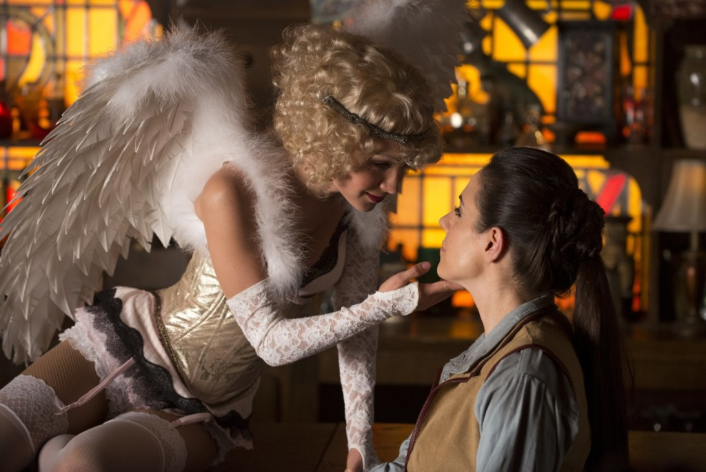 Kenzi as Angel and Bo as Dyson in Lost Girl 4x07