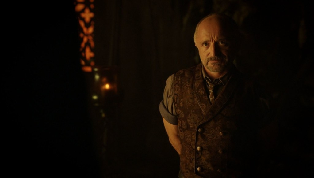 Trick talking to the Una Mens in Lost Girl 4x05