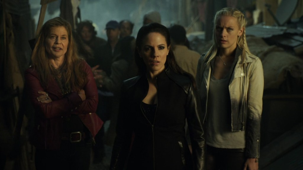 Acacia Bo and Tamsin in lost Girl 4x11