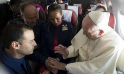 Pope Marries Couple Mid-Flight During Chile Visit