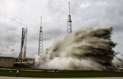 NASA's Maven, atop a United Launch Alliance Atlas 5 rocket Credit: (AP Photo/John Raoux)