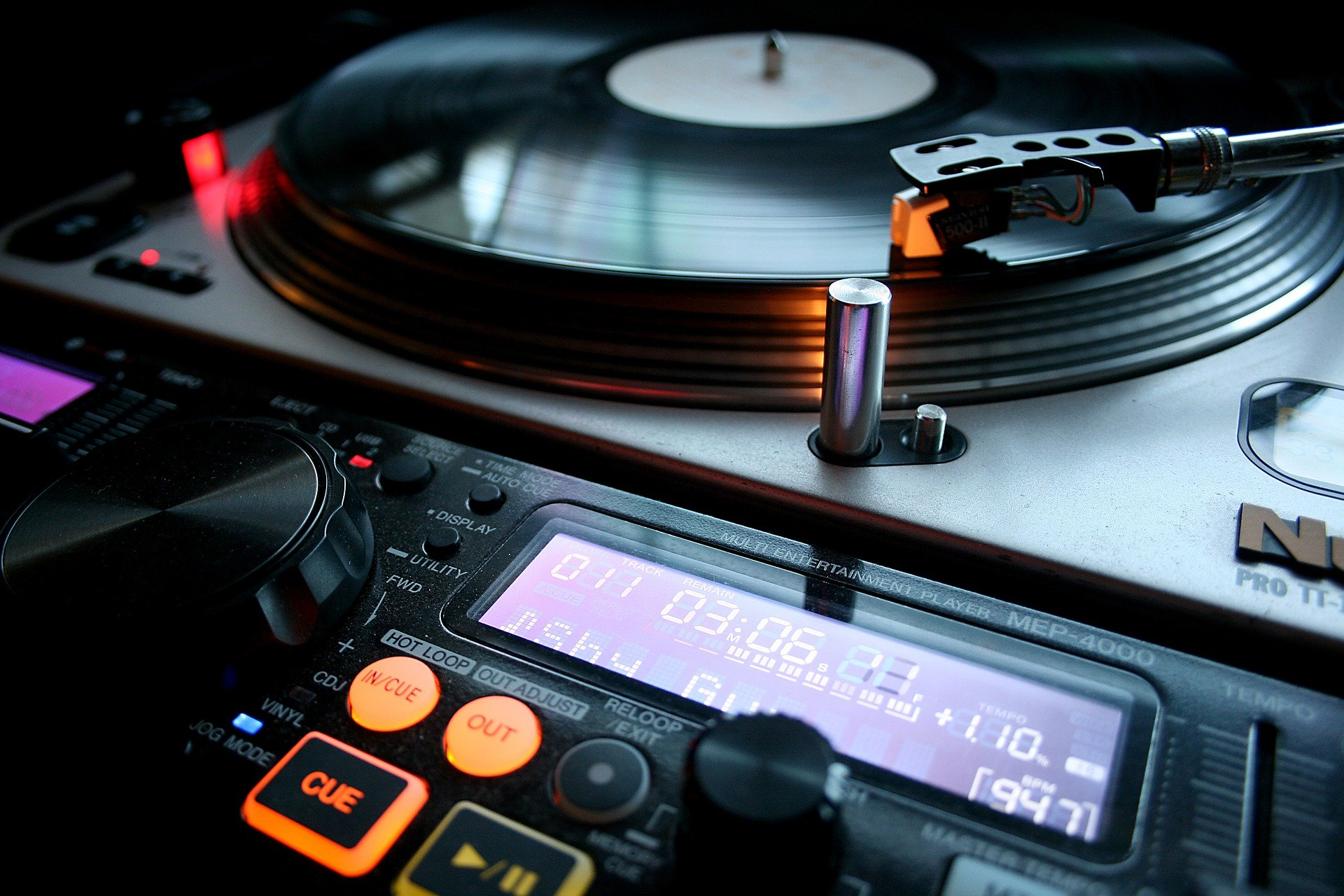 vinyl-4722544_1920