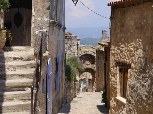 Лакост Прованс