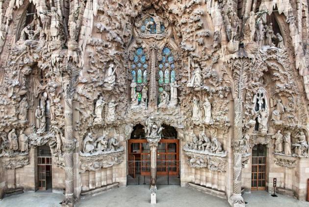 Фасад Вознесения. Саграда Фамилия. Барселона