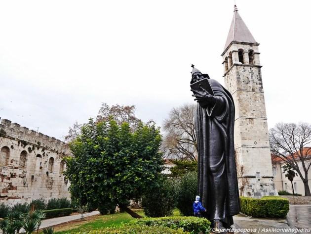 Гргур Нинский памятник в Сплите