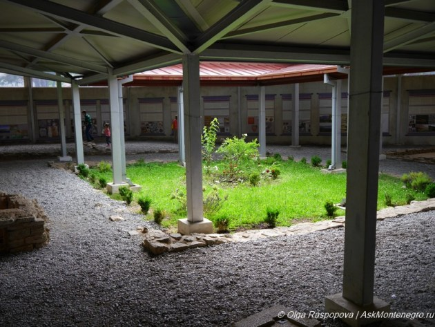 atrium_in_villa_risan