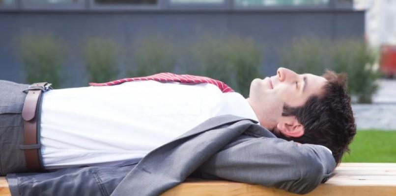 Viva la siesta ! Sette ragioni per fare un pisolino